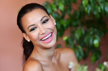 Il cast di Glee rende omaggio a Naya Rivera ai GLAAD Awards – VIDEO