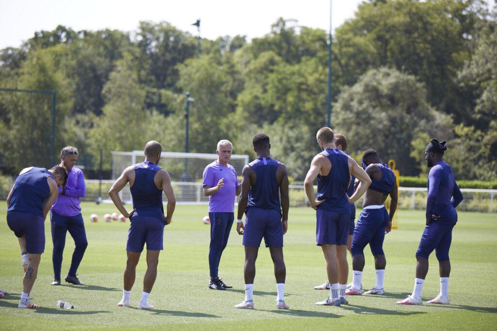 Tom Hardy sarà la voce narrante di All or Nothing: Tottenham Hotspur