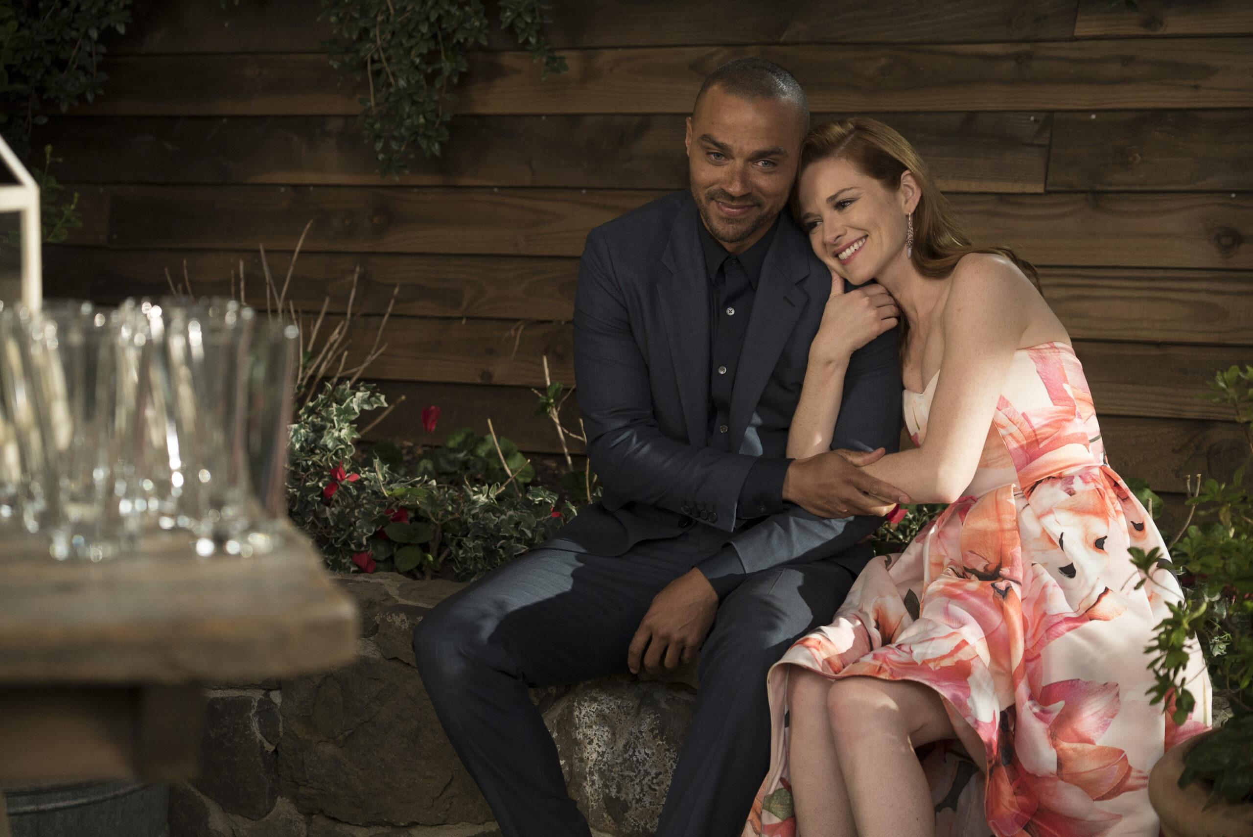 Grey's Anatomy 17, Sarah Drew e Jesse Williams insieme sul set (Foto)