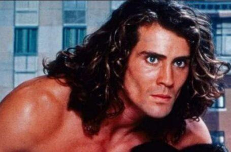 Joe Lara, l'attore volto di Tarzan muore in un incidente aereo