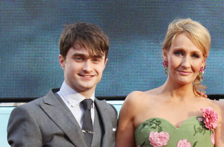 "Daniel Radcliffe contro i tweet J.K. Rowling: ""Le donne transgender sono donne"""