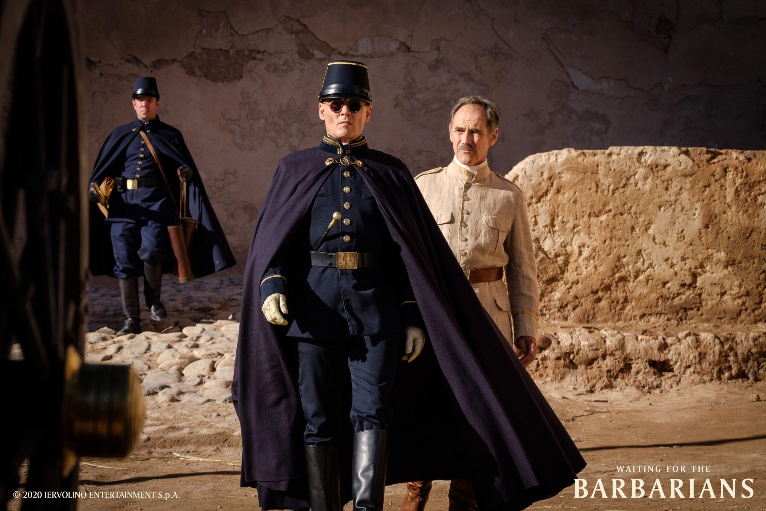 Waiting for the Barbarians: Il nuovo film con Johnny Depp e Robert Pattinson, al cinema dal 24 settembre