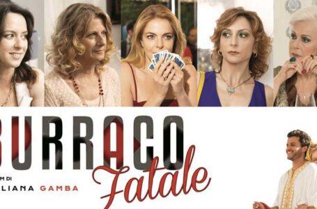 Burraco Fatale: Disponibile da oggi su Amazon Prime Video il film con Claudia Gerini e Angela Finocchiaro