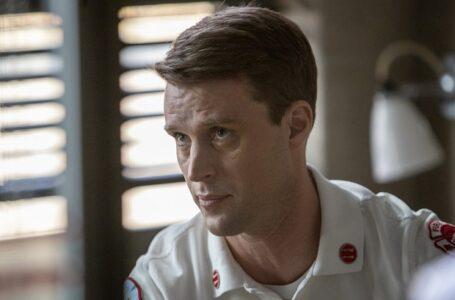 Chicago Fire 9, il ritorno dell'orologio dello zio di Casey e i suoi sentimenti per Brett nel nuovo episodio